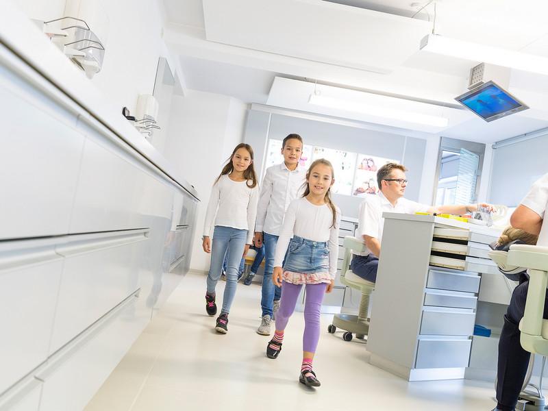 Patienten-Behandlungsraum - Kieferorthopädie Dr. Visse & Theising